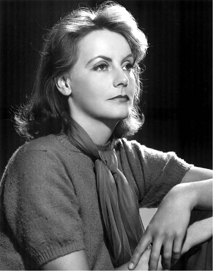 Publicity photo of Greta Garbo